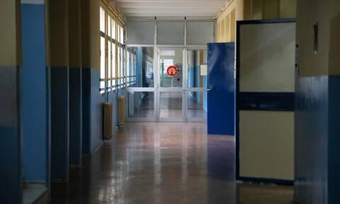 Σύρος - Καταγγελία-σοκ: Καθηγήτρια χτύπησε μαθήτρια μέσα στην τάξη