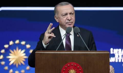 Ο Ερντογάν απαντά στα περί κατάληξής του σαν τον Μεντερές: Δεν φοβόμαστε τον θάνατο