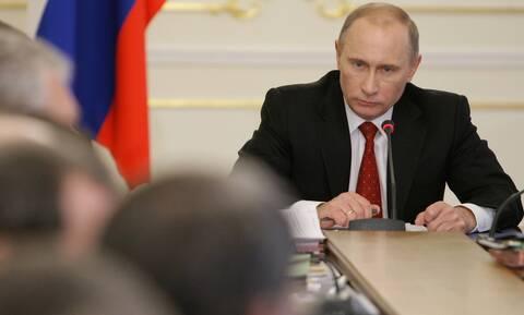 Πούτιν: Ετήσια ομιλία του «τσάρου» με…φόντο Ναβάλνι, διαδηλώσεις και ουκρανική κρίση