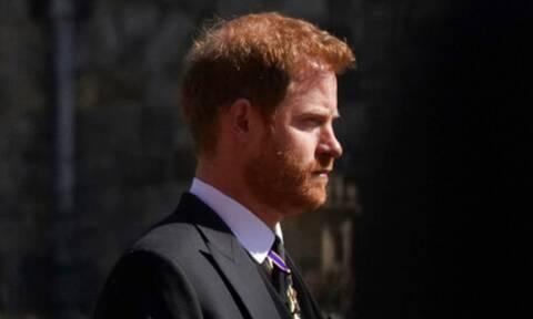 Πρίγκιπας Harry: Έτσι επέστρεψε στο σπίτι του λίγο πριν τα γενέθλια της γιαγιάς του (photos)