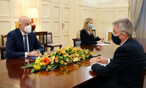 Συνάντηση Νίκου Δένδια με Τζέφρι  Πάιατ - Τι συζήτησαν
