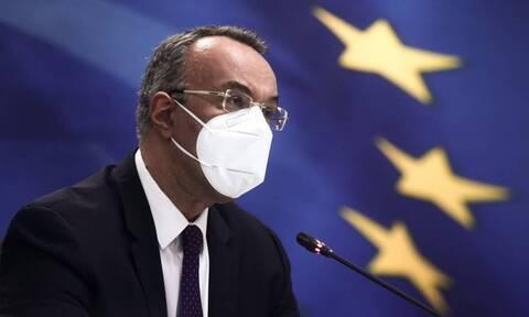 Σταϊκούρας: Φορολογικές ελαφρύνσεις 2,5 δισ. ευρώ – Αναλυτικά παραδείγματα
