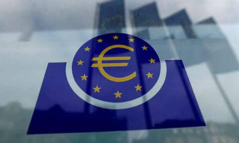 Αμετάβλητα τα επιτόκια από την ΕΚΤ -  Η προσοχή στο πρόγραμμα αγοράς ομολόγων