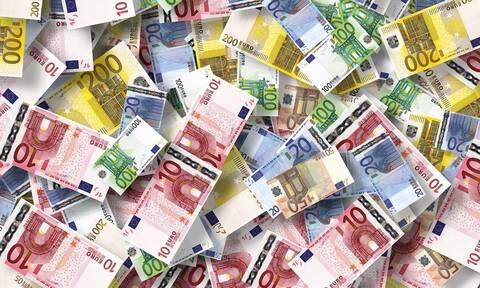 Απίστευτη απάτη με λεία «μαμούθ»: Της πήραν πάνω από 26 εκατ. ευρώ!