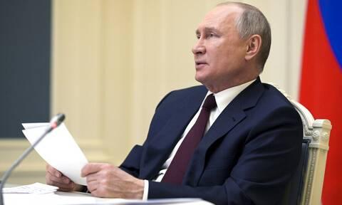 Διπλωματική γκάφα στη σύνοδο για το κλίμα: Γιατί σάστισε ο Πούτιν (vid)