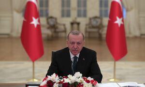 «Γκρεμίζεται» ο Ερντογάν: Το 44,3% απάντησε «σίγουρα δεν θα τον ψηφίσω»