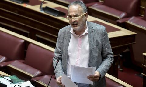 Βουλευτής του ΚΙΝΑΛ νόσησε με κορονοϊό 2,5 μήνες μετά τον εμβολιασμό του