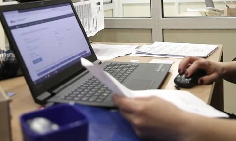 Τι αλλάζει στις αναστολές συμβάσεων εργασίας – Οι ελάχιστες ώρες απασχόλησης