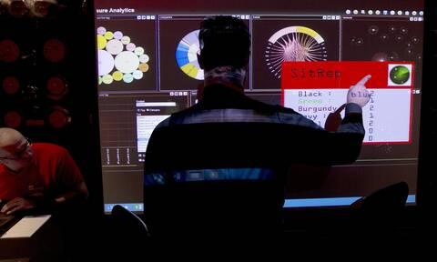 Έρχεται η «ώρα της κρίσης» στην τεχνολογία, προειδοποιεί ο επικεφαλής της μυστικής υπηρεσίας GCHQ