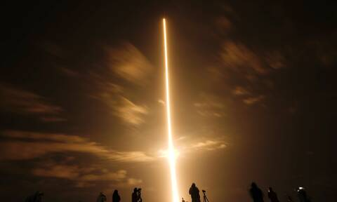 SpaceX: Πρώτη επανδρωμένη πτήση στον ISS με πύραυλο που είχε χρησιμοποιηθεί ξανά