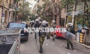 Ρεπορτάζ Newsbomb.gr: Συγκέντρωση και πορεία στην  Κυψέλη για την παρουσία αστυνομίας στις πλατείες