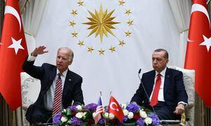 «Παγωμάρα» στην Τουρκία για την επικοινωνία Μπάιντεν – Ερντογάν