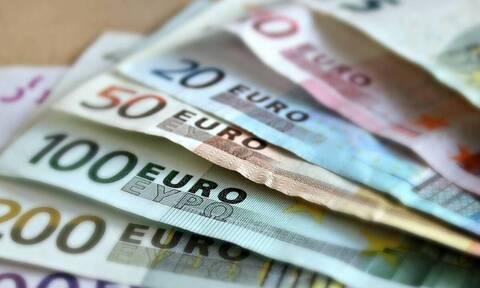Δώρο Πάσχα: Πότε μπαίνουν τα χρήματα - Δείτε αναλυτικά πόσα θα πάρετε