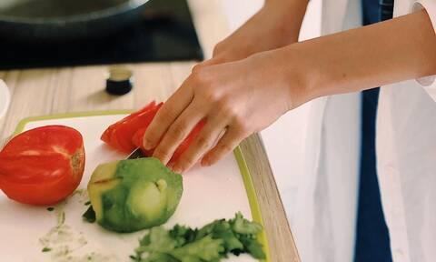 Αυτά τα tips στο μαγείρεμα θα σας λύσουν τα χέρια