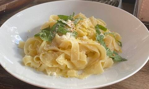 Mακαρόνια: Η εντυπωσιακή και εύκολη συνταγή που μπορείς να φτιάξεις