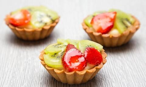 Νηστίσιμη συνταγή: Ατομικά ταρτάκια με φρούτα για τη Μεγάλη Εβδομάδα