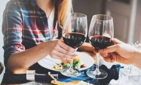 Οδηγίες του ΕΦΕΤ για την ασφάλεια των τροφίμων την εορταστική περίοδο - Τι πρέπει να ξέρετε