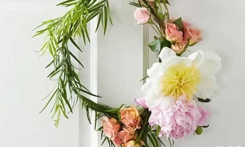 Πώς θα φτιάξεις εύκολα το στεφάνι που θα ομορφύνει την πόρτα σου αυτό το Πάσχα (photos)