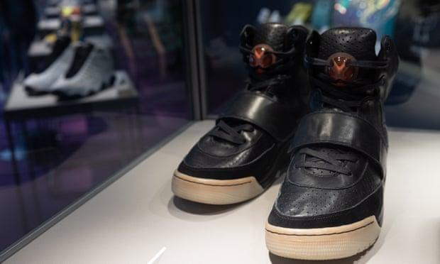 Παπούτσια Κάνιε Γουέστ