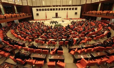Η τουρκική εθνοσυνέλευση καταδίκασε την αναγνώριση της γενοκτονίας των Αρμενίων από τις ΗΠΑ