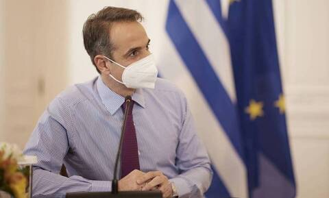 PM Mitsotakis urges citizens 30-39 to get vaccinated in post on social media