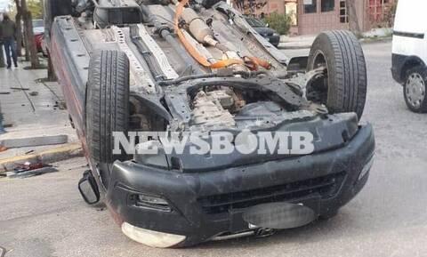 Αυτοκίνητο αναποδογύρισε στα Σεπόλια – Η κίνηση στους δρόμους της Αθήνας