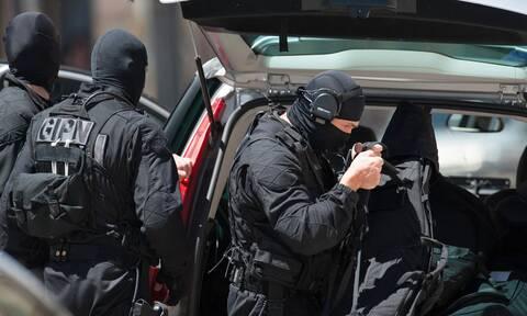 Γαλλία: Επτά συλλήψεις υπόπτων για σχέσεις με τζιχαντιστές στη Συρία