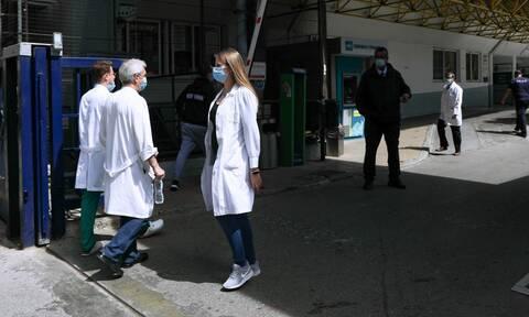 ΕΙΝΑΠ: «Απαράδεκτη ποινή» στέρησης μισθού σε ειδικευόμενους γιατρούς