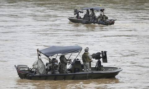 Μάχες στα σύνορα Βενεζουέλας-Κολομβίας: Άλλοι οκτώ στρατιωτικοί σκοτώθηκαν τις τελευταίες ημέρες