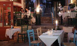 Греческие власти решили не отменять отправку СМС еще на две недели
