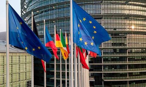 В Европарламенте потребовали высылать аккредитованных при ЕС дипломатов РФ