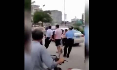 Φρίκη στην Κίνα: Επιτέθηκε με μαχαίρι και σκότωσε δυο παιδιά σε νηπιαγωγείο