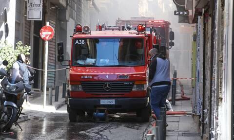 Φωτιά ΤΩΡΑ σε κατάστημα στη Νίκαια