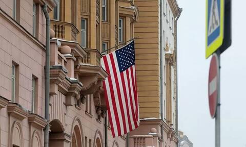 США приостановят выдачу неиммиграционных виз в России