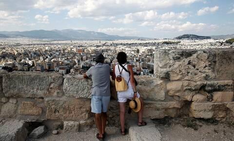 Греция продлила до 14 мая разрешение на въезд до 4 тыс. россиян в неделю