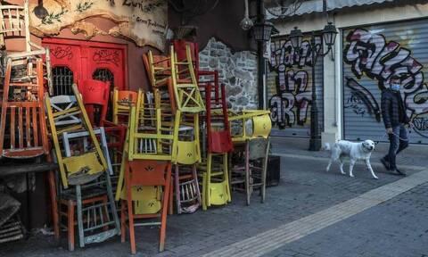 В Греческих барах и кафе из-за коронавируса запретили включать музыку