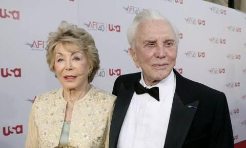 Κερκ Ντάγκλας: Πέθανε η χήρα του θρυλικού ηθοποιού