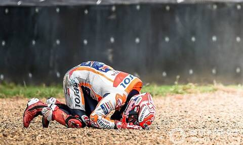 Τρομακτικό ατύχημα στο Moto GP - Εκσφενδονίστηκε από τη μηχανή - Προσοχή σκληρές εικόνες (pics+vid)