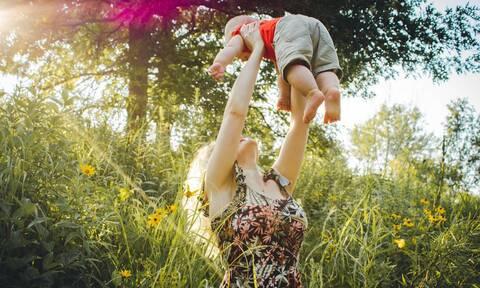 Πώς θα τονώσεις την αυτοπεποίθησή σου μετά τον ερχομό του παιδιού