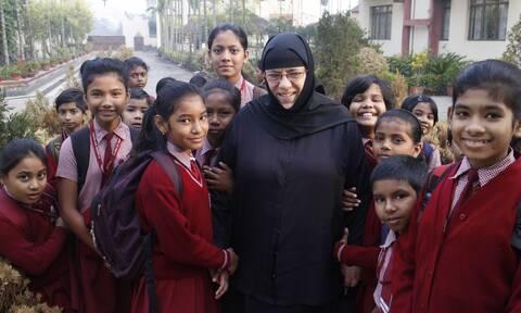 Αδελφή Νεκταρία, η μοναχή-σύμβολο στη μάχη κατά της φτώχειας και του αναλφαβητισμού στην Ινδία