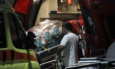 Γρεβενά: Εξετράπη το όχημα που είχαν κλέψει και κατέληξαν στο νοσοκομείο