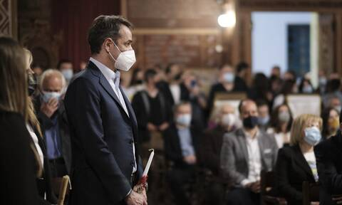 PM Mitsotakis' message following Resurrection services on Sat. night