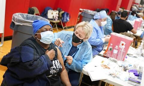 Κορονοϊός στις ΗΠΑ: Μέχρι την Κυριακή του Πάσχα είχαν χορηγηθεί 245 εκατ. δόσεις εμβολίων