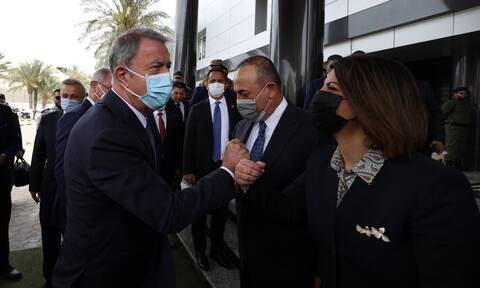 Τουρκία: Ψάχνει… αποκούμπι στη Λιβύη – Ταυτόχρονη επίσκεψη Τσαβούσογλου και Ακάρ