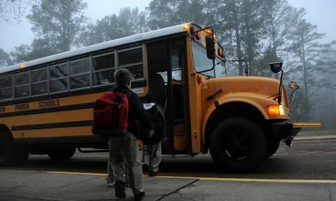 Συγκλονιστικό: Παιδιά σχολικού έσωσαν γυναίκα από κακοποίηση με ένα σημείωμα