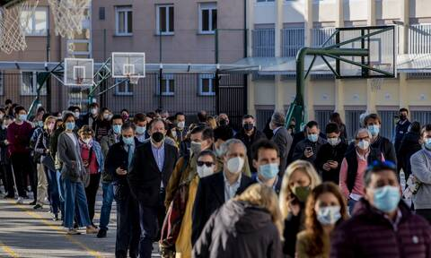 Μαδρίτη: Ξύπνησαν «τα φαντάσματα» του εμφυλίου - Πρόωρες τοπικές εκλογές σήμερα με βία και απειλές
