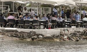 Греция постепенно возвращается к нормальной жизни