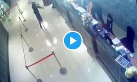 Βίντεο: Εστιατόριο στην Ταϊβάν δέχτηκε επίθεση με «όπλο» 1.000 κατσαρίδες