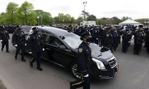 ΗΠΑ: Ράγισαν καρδιές στην κηδεία του ομογενή αστυνομικού Αναστάσιου Τσάκου (pics&vids)