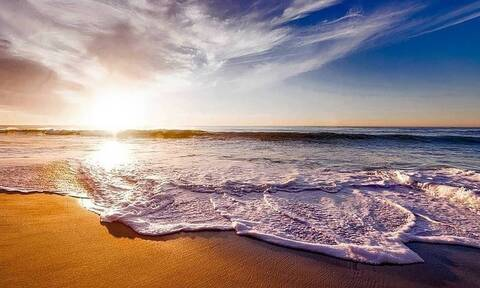 ΟΑΕΔ - Κοινωνικός τουρισμός 2021: Αυξάνονται οι δικαιούχοι - Ποιοι θα κάνουν δωρεάν διακοπές φέτος